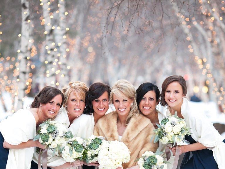 Top 5 Alternative Winter Wedding Entertainment Ideas