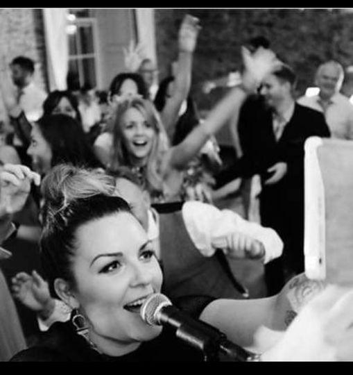 10 Wedding Bands between €1,000 & €2,000