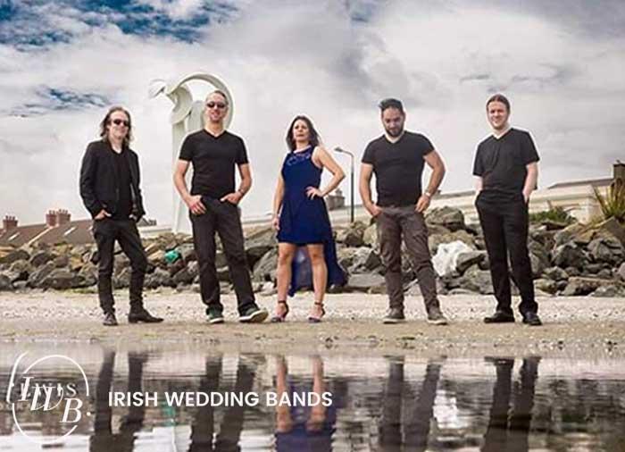 Twisted Hits Wedding Band